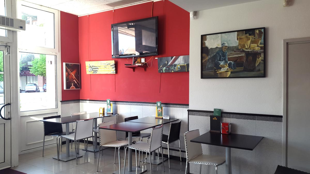 ES VEN CAFETERIA-BAR A IGUALADA (BARCELONA) ZONA D'ESCOLES